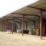 Bâtiment de stockage et d'élevage (08)