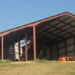 Bâtiment de stockage et élevage avec toiture photovoltaïque