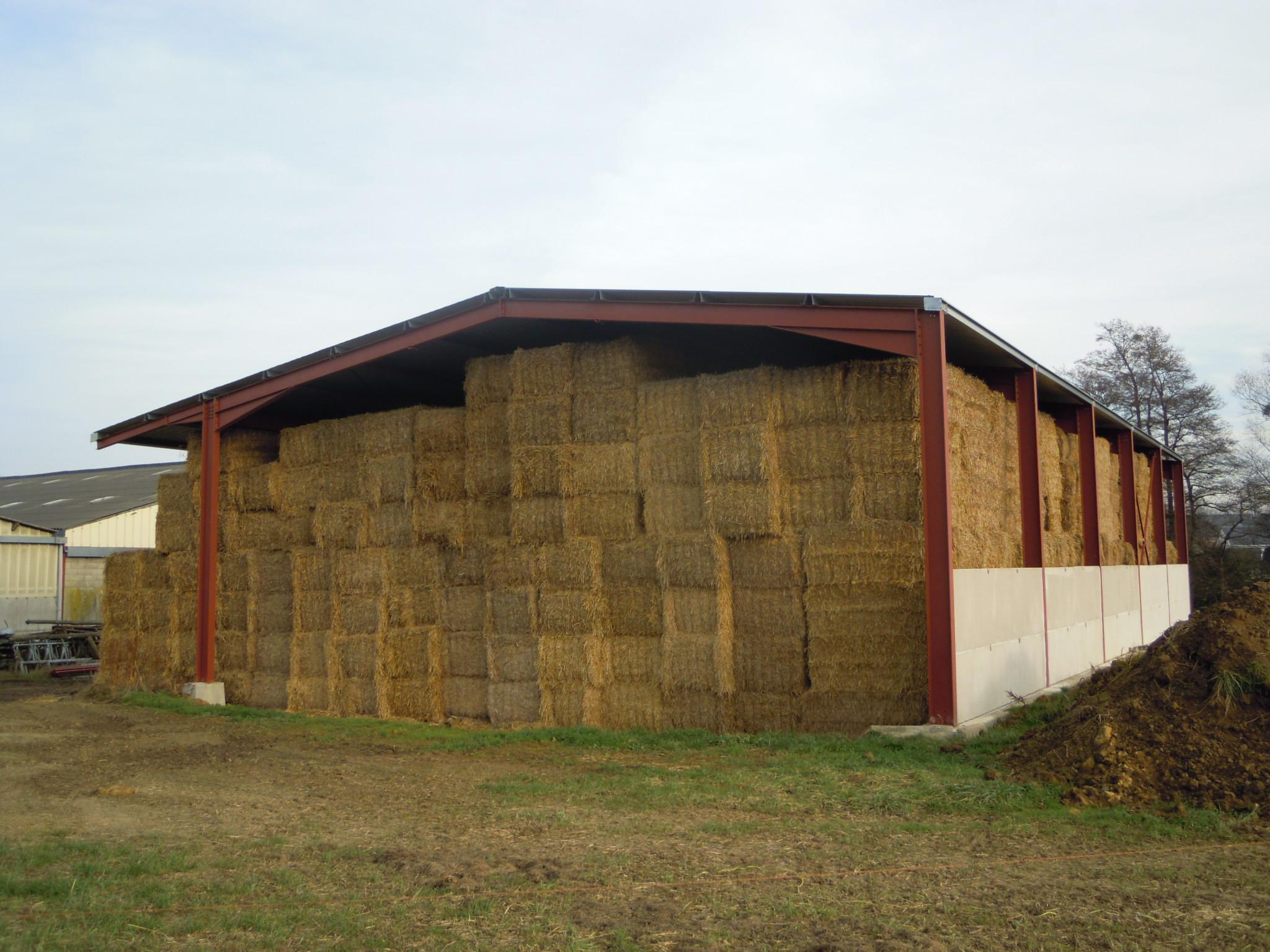 Bâtiment stockage fourrage (08)