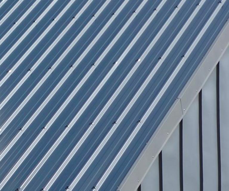 Couverture avec toiture bac acier