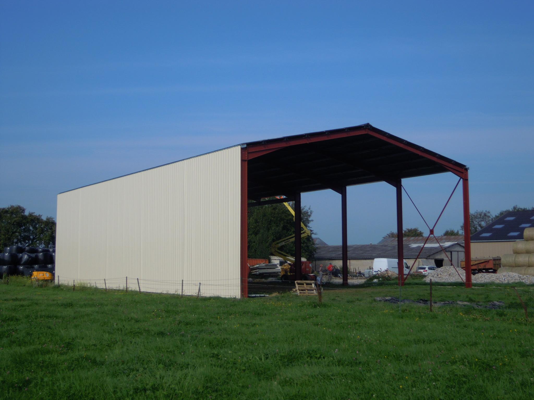 Hangar pour stockage (02)